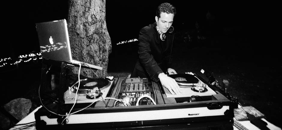 DJ Matt Phipps BW turntable shot-medium